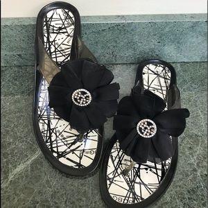 BCBG black and white flip flops